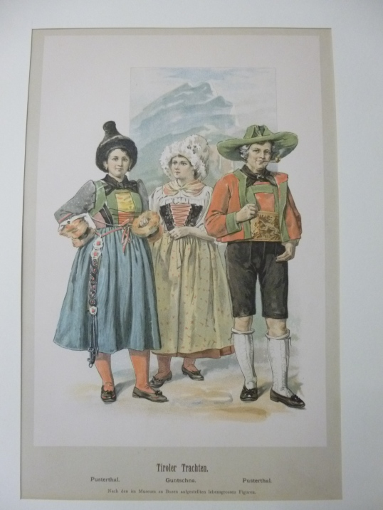Tiroler Trachten - Farblithographie mit 3 Figuren in Landestracht Pusterthal, Guntschna ( von Achleitner und Ubl. Tiroler Trachten )