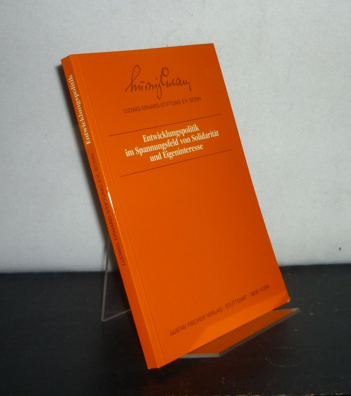 Pick, Hartmut (Red.): Entwicklungspolitik im Spannungsfeld von Solidarität und Eigeninteresse. [Ein Symposion der Ludwig-Erhard-Stiftung Bonn am 11. September 1985 in Bonn]. Redaktion: Hartmut Pick.