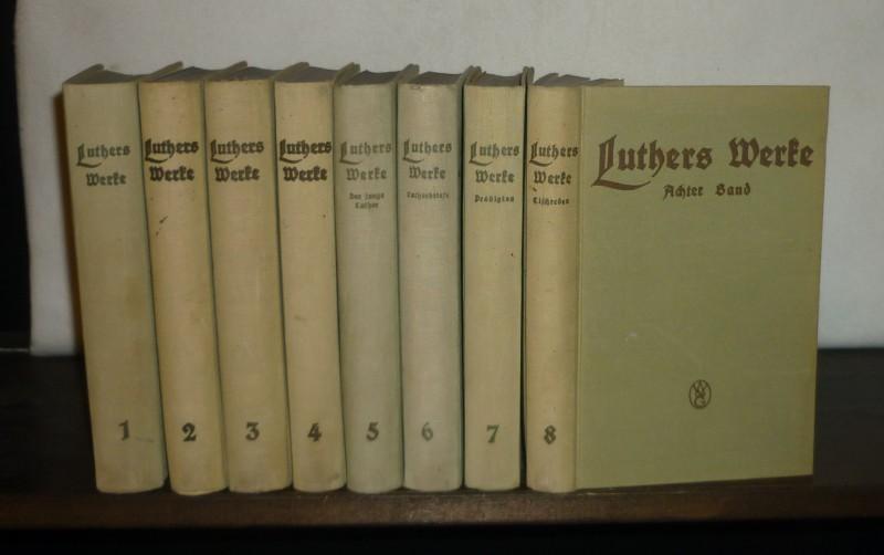 Luthers Werke in Auswahl. [8 Bände]. [Band 1-4 und 8 herausgegeben von Otto Clemen, Band 5-7 von anderen Herausgebern]. 8 Bände (= vollständig). / Mischauflage.