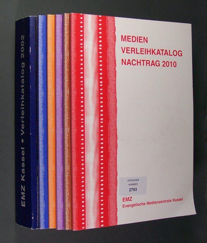 Medien Verleihkatalog der evangelischen Medienzentrale Kassel aus dem Jahr 2002 sowie Nachträge aus den Jahren 2006-2010. Insgesamt 6 Kataloge.