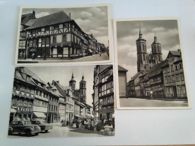 3 Foto-AK Göttingen; Konvolut; Junkernschänke, Paulinerstraße mit St. Johanniskirche, Johannisstraße und Türme der Johanniskirche mit Händlern, Passanten und Autos
