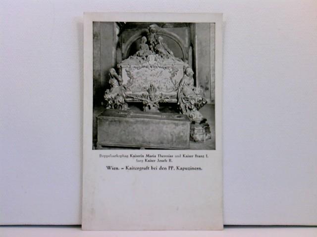 Foto-AK Wien, Kaisergruft bei den PP. Kapuzinern - Doppelsarkophag Kaiserin Maria Theresias und Kaiser Franz I., Sarg Kaiser Josefs II.