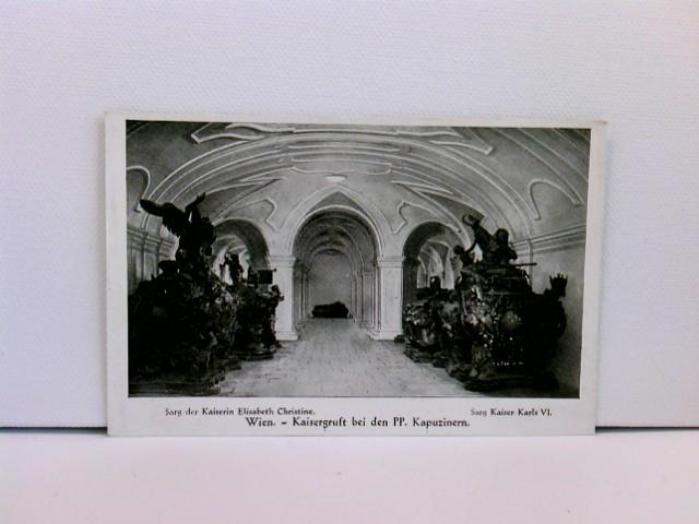 Foto-AK Wien, Kaisergruft bei den PP. Kapuzinern - Sarg der Kaiserin Elisabeth Christine, Sarg Kaiser Karls VI.