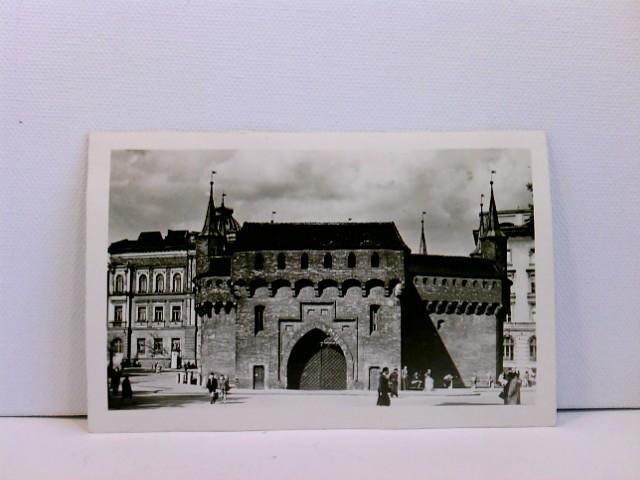 Foto-AK Krakau, Barbakan, Krakow; mit Passanten