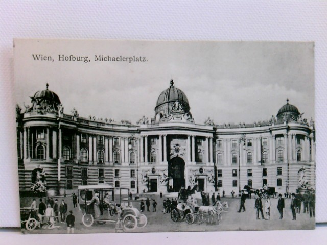 seltene AK Wien, Hofburg, Michaelerplatz; mit Automobil, Kutschen und Passanten; ca. 1910