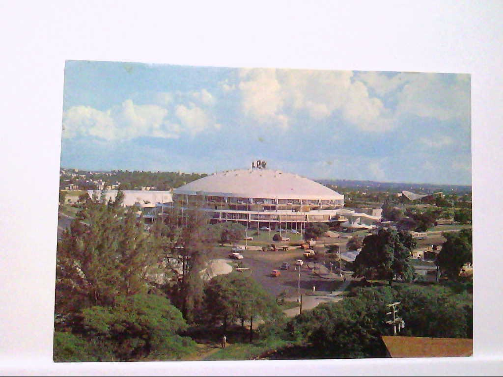 AK Havana/Kuba, Sports City in Havana, Panoramaansicht, mit alten PKW, LKW, Busse, Gelaufen.