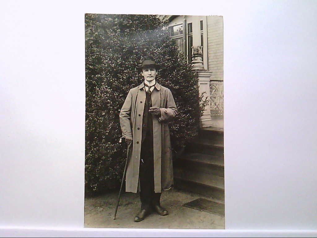 AK Neudorf im Rheingau, Portrait von einem Mann im Mantel, Hut, Handschuhe, 1916, Echt Foto, Gelaufen.