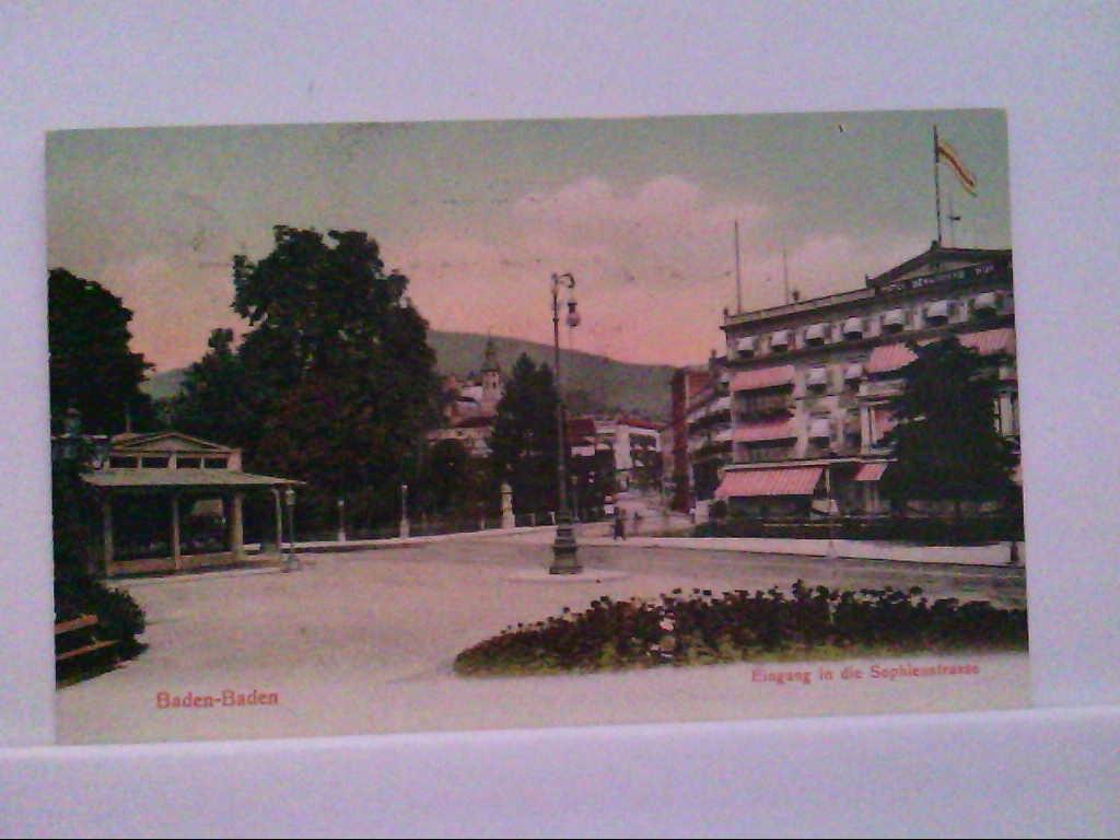 AK Baden - Baden, Eingang in die Sophienstrasse, Coloriert, Gebäudeansicht.