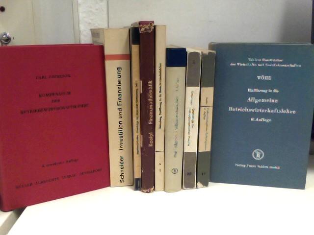 Konvolut von 6 (Lehr-)Büchern Betriebs-und Volkswirtschaft