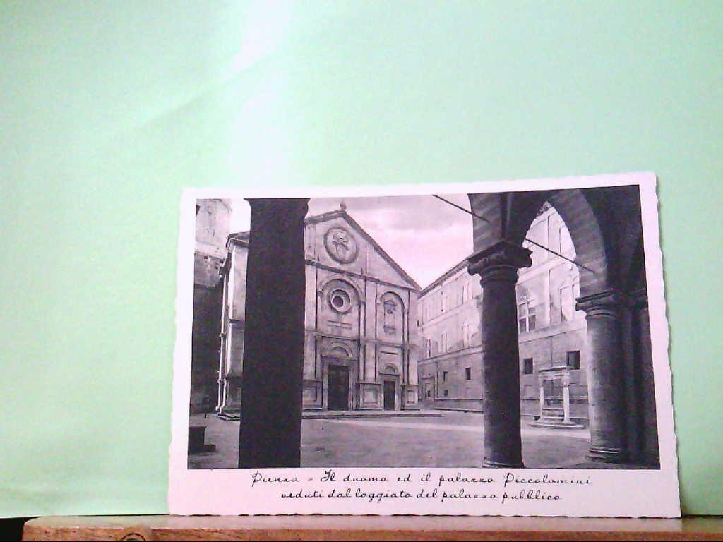 AK Pienza / Italien, ( Siena ) Il Duomo ed il palazzo Piccolomini veduti dal loggiato....