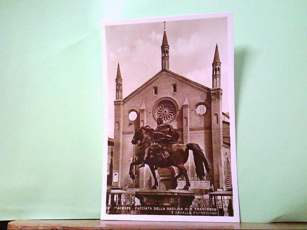 AK Piacenza / Italien, Facciata della Basilica di S. Francesco, e Cavallo Farnesiano.