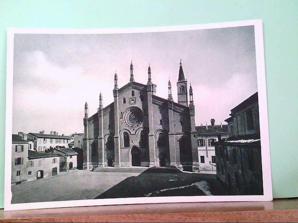 AK Pavia / Italien, Piazza e Chiesa del Carmine, Gebäudeansicht.