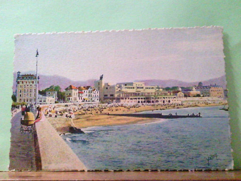 AK Saint Jean de Luz / Frankreich, Cote Basque, La Plage et le Casino, Künstlerkarte.