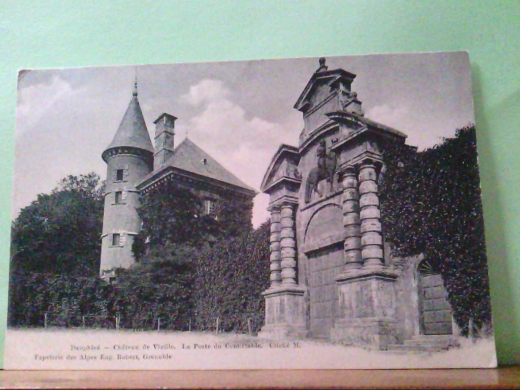 AK Dauphine / Frankreich - Chateau de Vizille, La Porte du Connetable, Clichee M, Panoramaansicht.