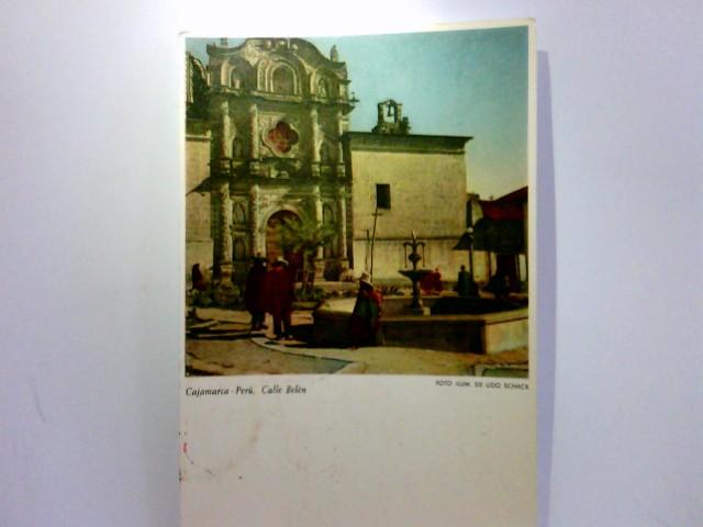 AK Cajamarca, Peru. Calle Belén. Dorfbrunnen, Kirche, Personen