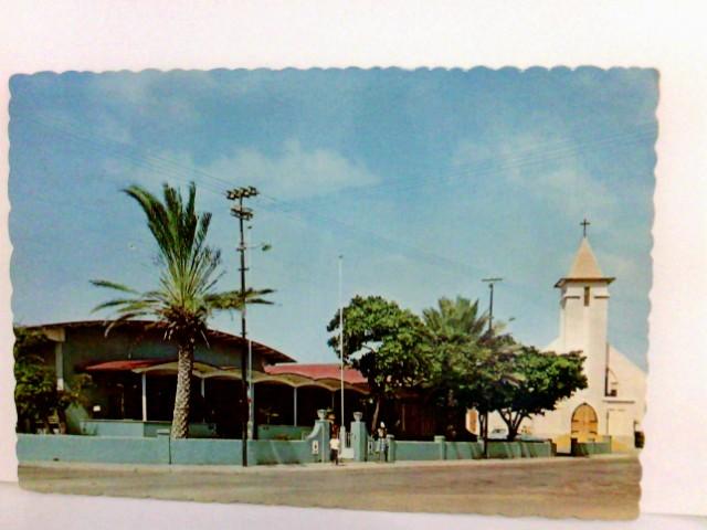 AK International Seamen´s Club and St. Theresia Church in San Nicolas, Aruba, Neth. Antilles. Gebäudeansicht, Kirche, Kinder, Palmen