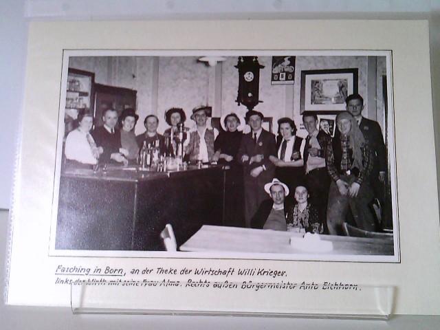 2 Fotos vom Fasching in Born - Faschingsgesellschaft in der Wirtschaft Willi Krieger + Aufnahme von Theaterschauspielern (?)