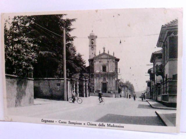 Seltene AK Legnano. Corso Sempione e Chiesa della  Madonnina. Straßenpartie, Gebäudeansichten, Kirche, Fahrradfahrer, Passanten, Lombardei, Italien