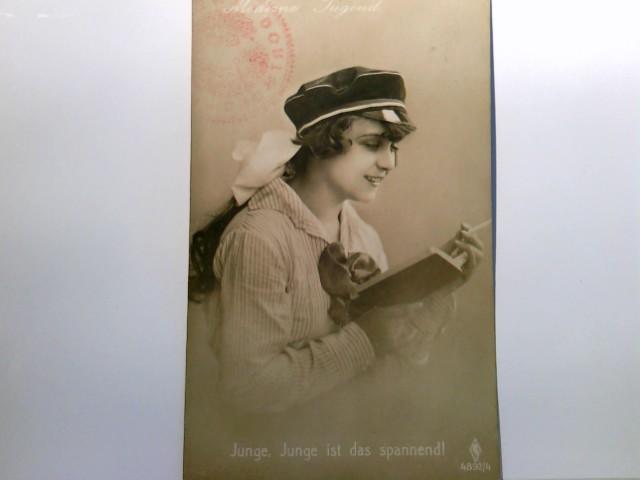Madame Jugend. Junge, Junge ist das spannend ! Junge Frau mit Kappe rauchend ein Buch lesend. Potrait, Nr. 4892/4, Stempel : Zweigverein Dortmund