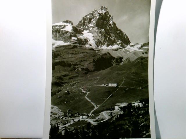 Cervinia - Breuil e Monte Cervino. AK s/w, Italien. Ortsansicht, Blick ins Tal, Gebirgskulisse, Panoramablick