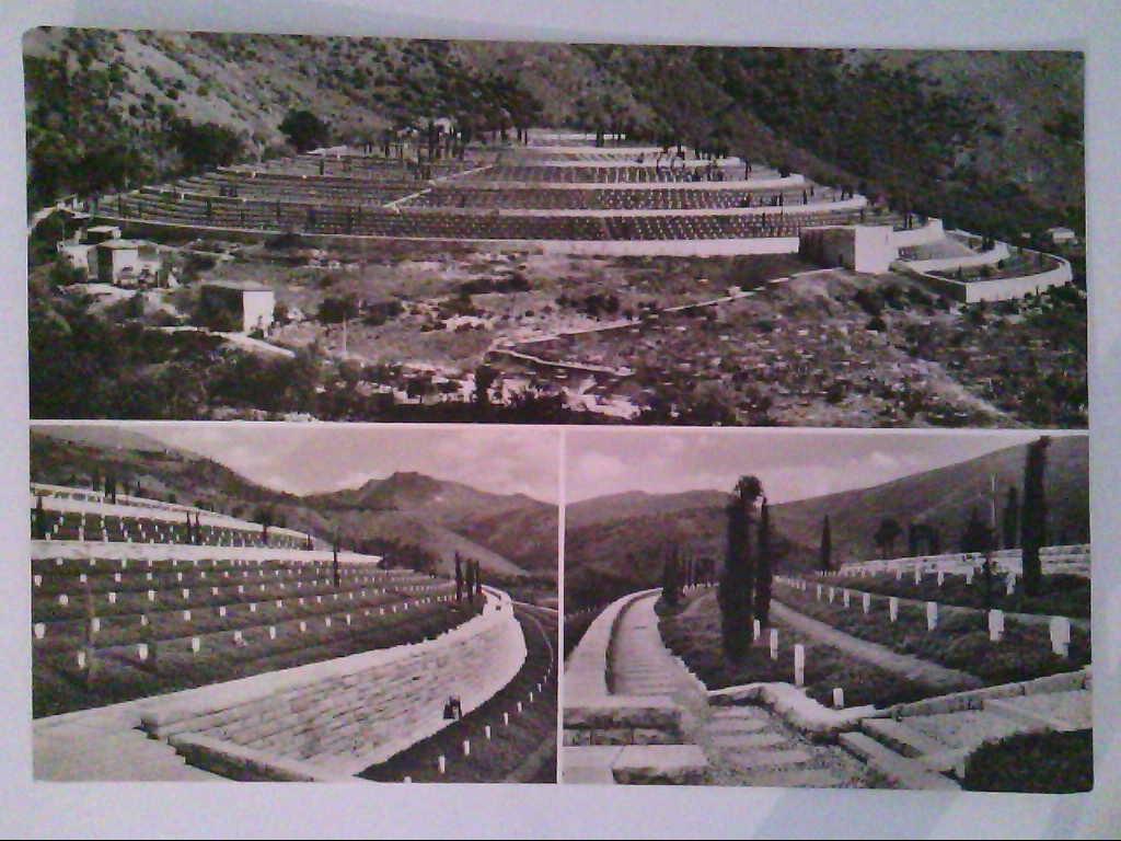Deutscher Soldatenfriedhof. Cassino - Kaira. Mehrbildkarte mit 3 Abb. Echtes Photo. s/w. , Ansichtskarte