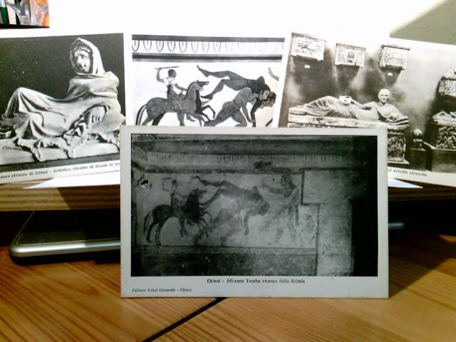Museo di Chiusi. Konvolut 4 x AK s/w. 1 x Sarcofago ed urnette etrusche. 1 x Artistico ritratto di donna in terracotta. 1 x Tomba della Scimmia ( Pittura etrusca ). 1 x Affresco Tomba etrusca della Scimia. Toskana, Siena, Etrusker, Italien