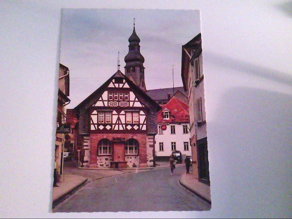 Hofheim ( Taunus ). Partie am Rathaus mit kath. Kirche. , Ansichtskarte