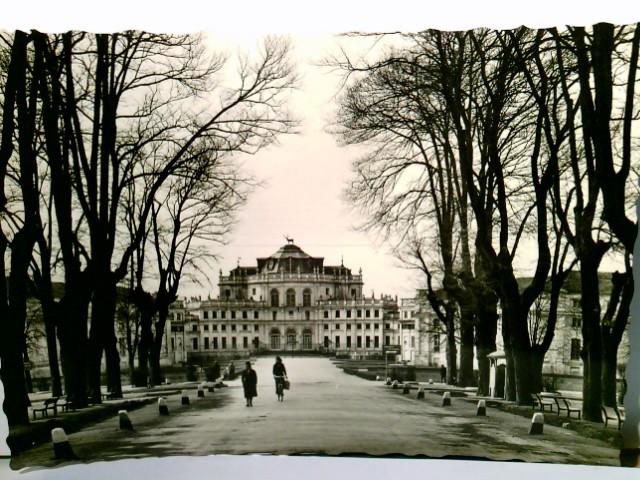 Torino / Turin / Piemont / Italien. Alte AK s/w. Reale Castello di Stupinigi. Gebäudeansichte, Parkanlage, Passanten
