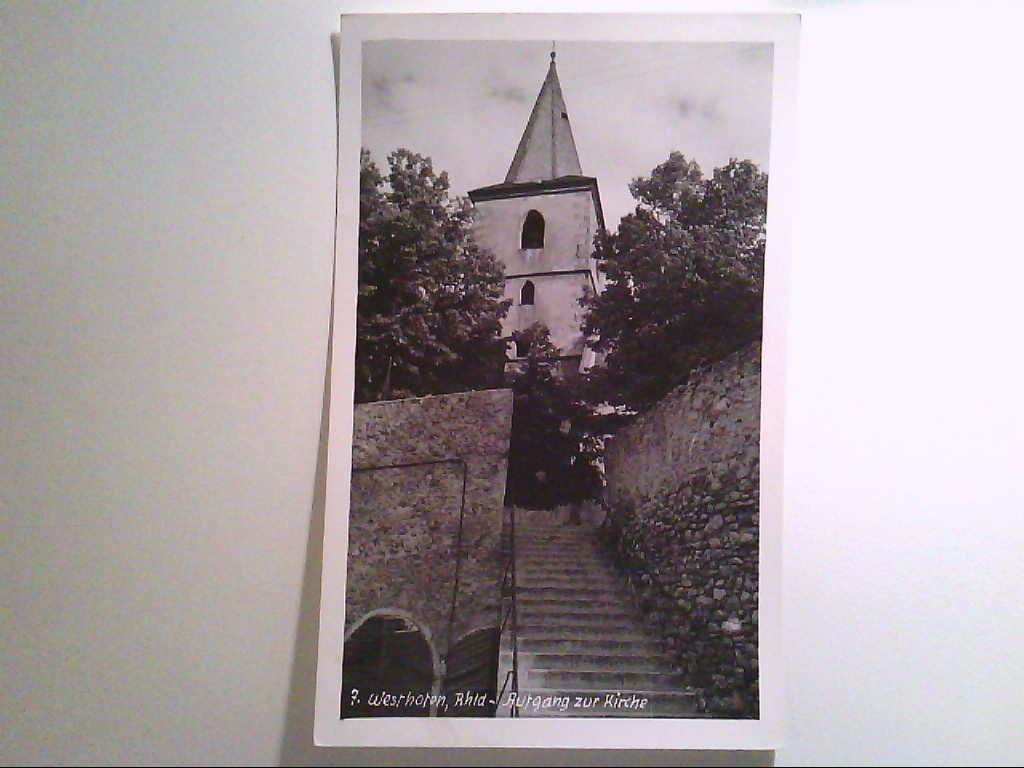 Westhofen. Rheinland. Aufgang zur Kirche. AK.