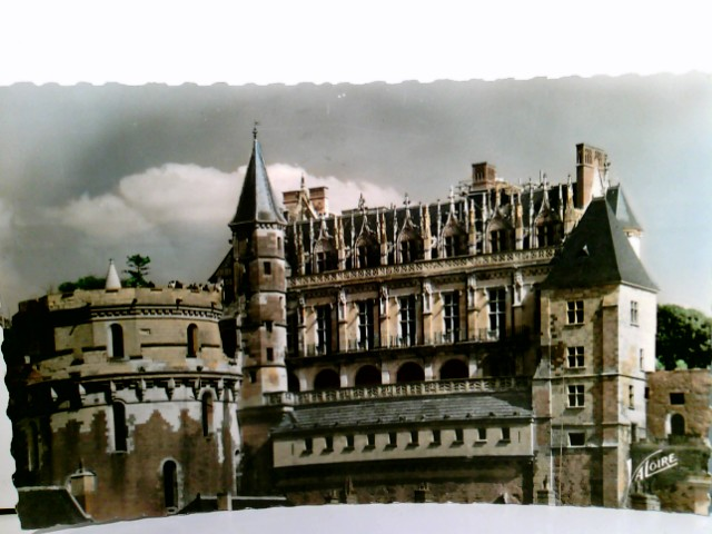 Amboise / Département Indre-et-Loire / Region Centre-Val de Loire / Frankreich. Les merveilles du Val de Loire. Le Cháteau du XVe siécle. Logis du Roi et la Tour des Minimes. AK farbig. Schloß, Gebäudeansicht