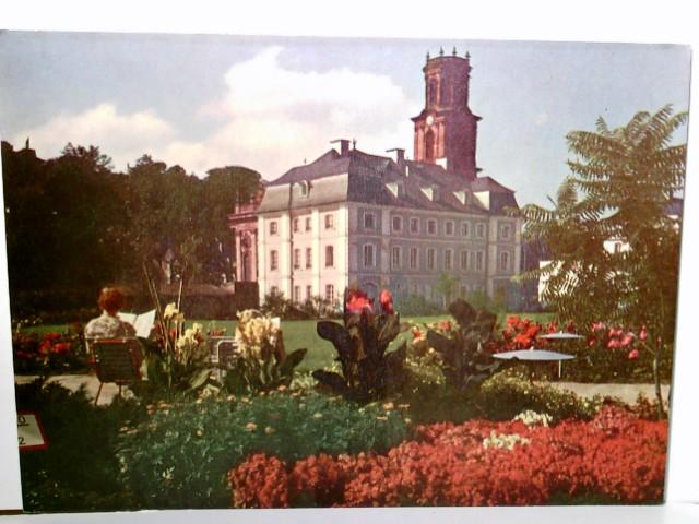 Saarbrücken. Stengelanlage mit Ludwigskirche. Alte, seltene AK farbig. Gebäudeansicht, sehr schöne Parkanlage, lesende Frau, Saarland