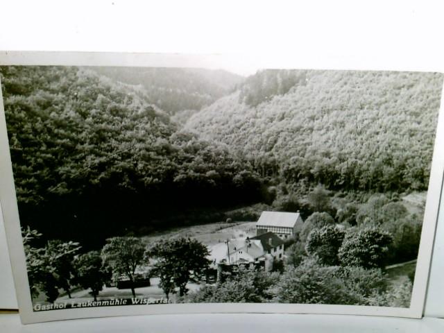 Gasthof Laukenmühle im Wispertal. Alte AK s/w. Blick ins Tal zur Mühle, Panoramablick