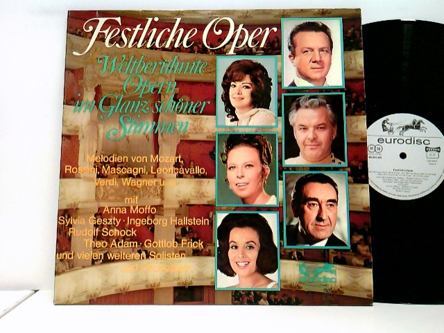 Festliche Oper - Weltberühmte Opern Im Glanz Schöner Stimmen