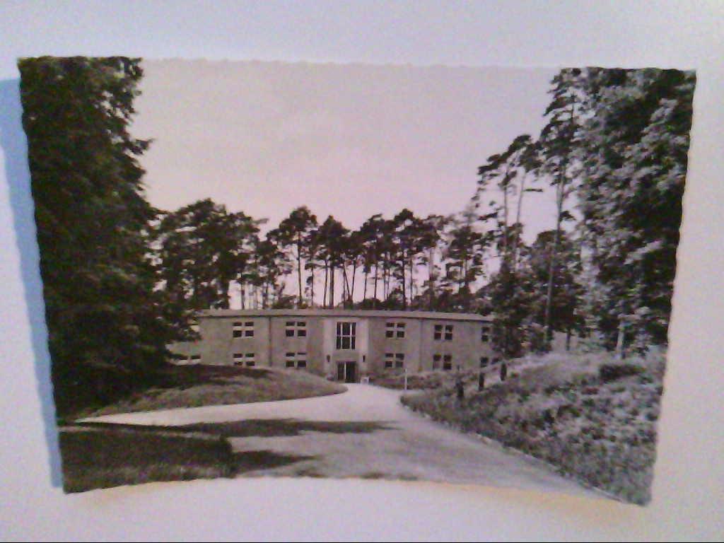 Neu Fahrland. Waldhaus. Heinrich - Heine - Sanatorium. AK.