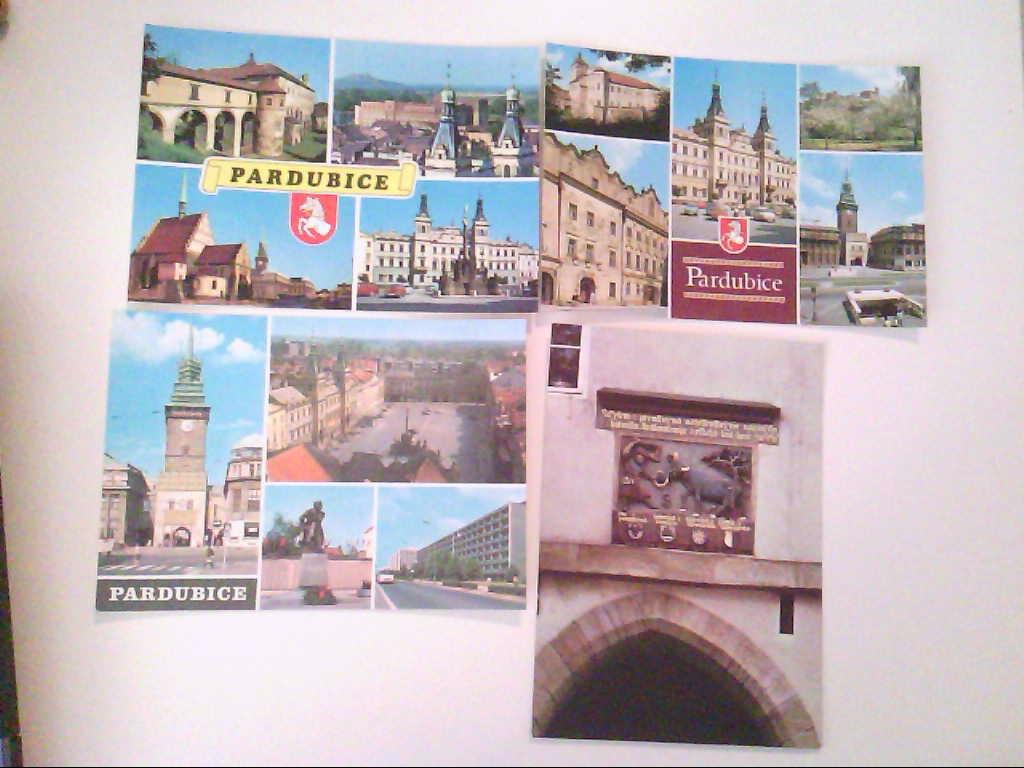 Pardubice. Pardubitz. Tschechien. Konvolut aus vier Karten. Mehrbildkarten mit 4 und 5 Abb. Schloss Relief. AK.