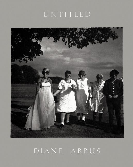 Untitled. Herausgegeben und gestaltet von Doon Arbus und Yolanda Cuomo. Mit einem Nachwort von Doon Arbus, der Tochter der Fotografin. - Arbus, Diane