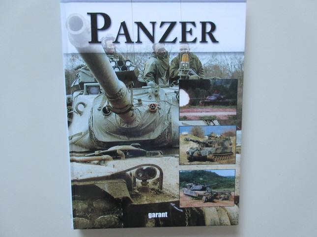 Panzer. Vom Little Willie bis zum Leopard 2 A6 - Nachschlagewerk mit weit über 150 Panzertypen.