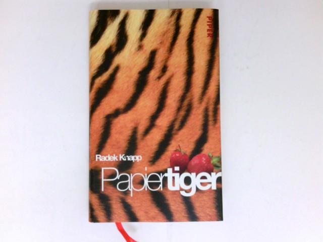 Papiertiger : eine Geschichte in fünf Episoden.