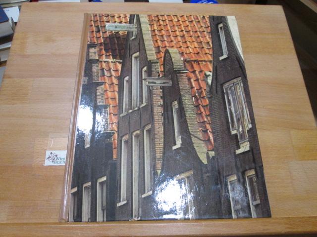 Amsterdam. von Hans Koning u. d. Red. d. Time-Life-Bücher. [Aus d. Engl. übertr. von Alžbeta Lettowsky]. Photos von Patrick Ward / Die großen Städte; Time-Life-Bücher 2. German print.