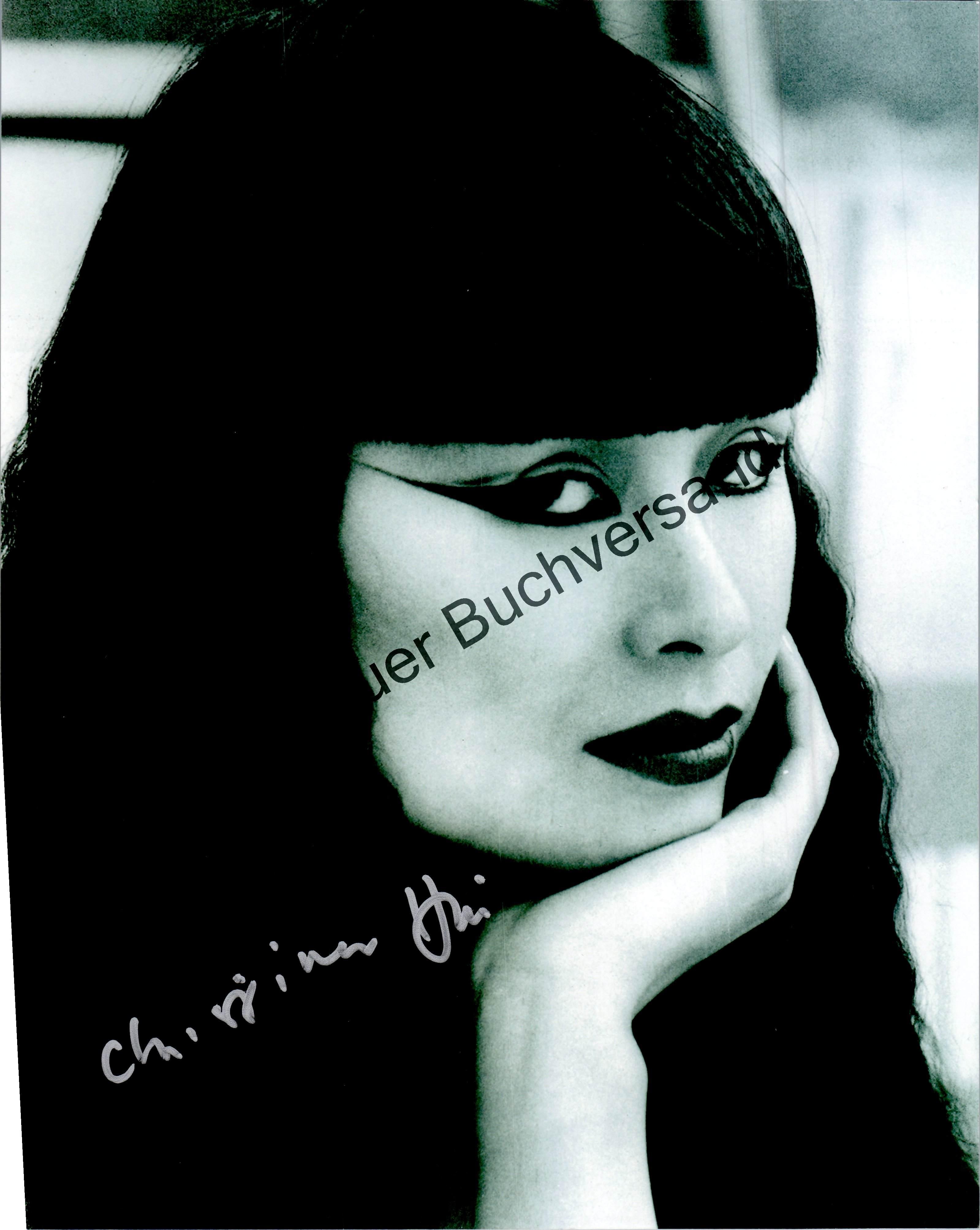 Original Autograph Christina Hui James Bond COA /// Autogramm Autograph signiert signed signee