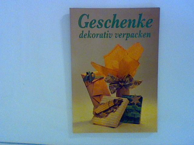 Geschenke dekorativ verpacken
