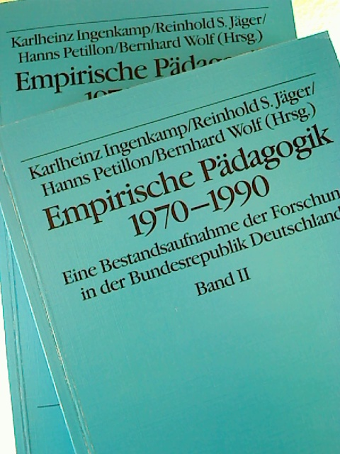 Empirische Pädagogik 1970-1990. . Bände I / II. - (2 Bände) - Eine Bestandsaufnahme der Forschung in der Bundesrepublik Deutschland. 1. Aufl.
