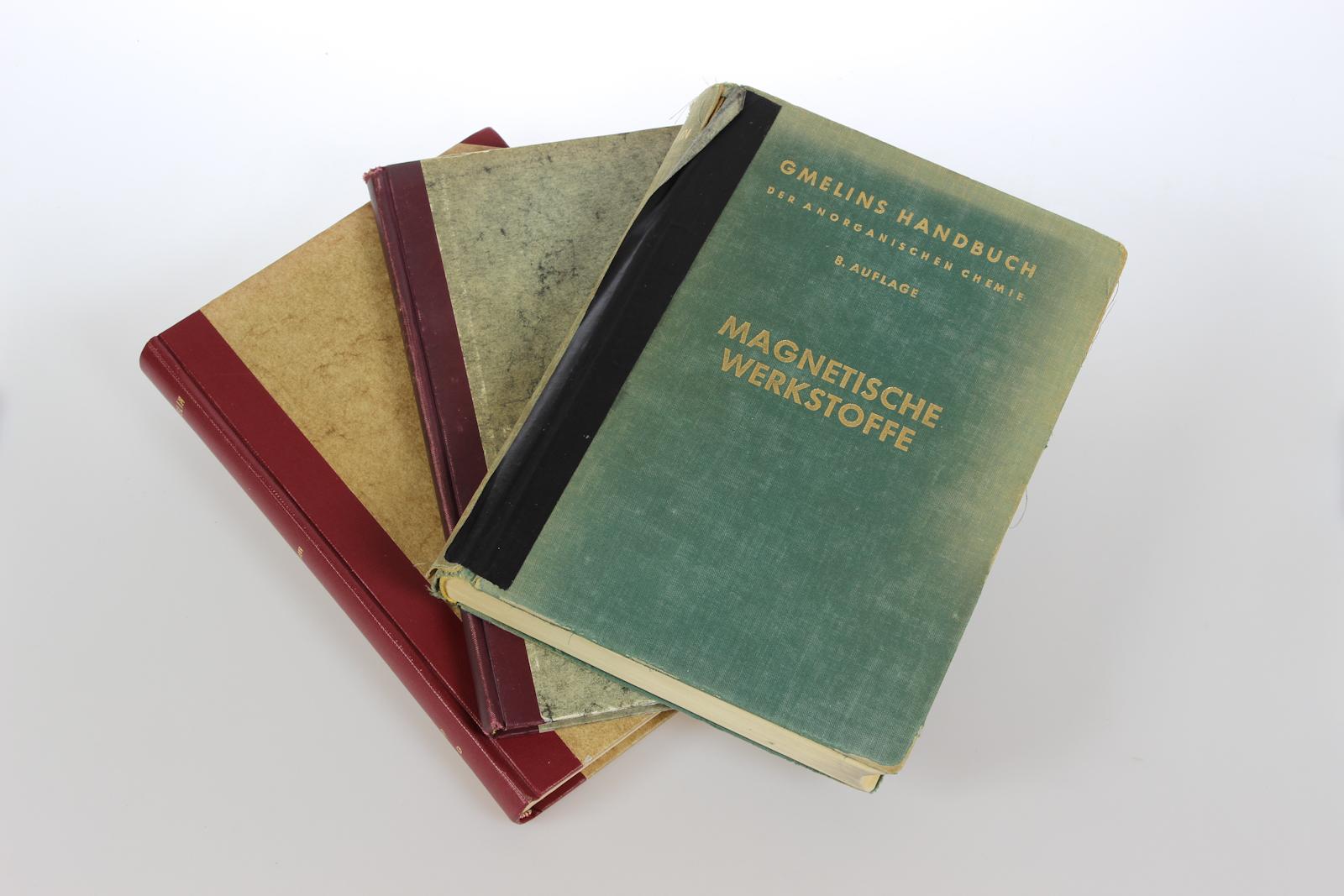 Gmelin Handbuch der Anorganischen Chemie. System Nummer 59: Eisen. Teil D + Erg.Bd 1+2.: Magnetische und elektrische Eigenschaften der legierten Werkstoffe. [3 Bde]. 8. völlig neu bearb. Aufl.