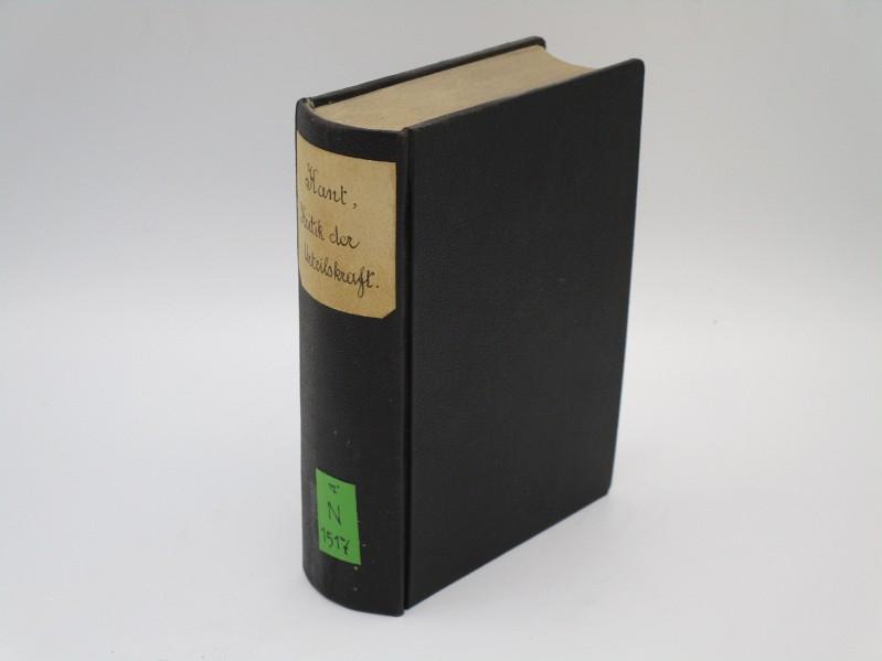 Kritik der Urtheilskraft. Text d. Ausg. 1790, (A) mit Beifügung sämmtl. Abweichungen d. Ausg. 1793 (B) u. 1799 (C). Hrsg. v. Karl Kehrbach. pro Blatt jeweils 1 Bl. Notizpapier zwischen-geb.