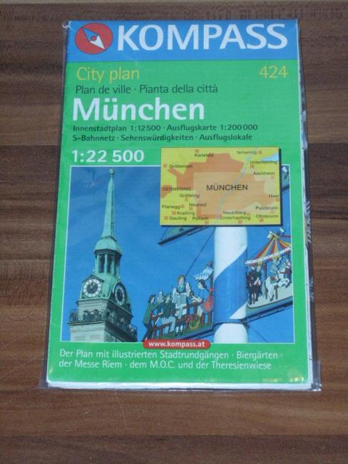 München 1 : 22 500. Cityplan: Mit Innenstadtplan 1 : 12 500, Ausflugskarte 1 : 200 000, S-Bahnnetz, Sehenswürdigkeiten, Biergärten. Mit Messe Riem, Stadtrundgängen, Theresienwiese, M.O.C