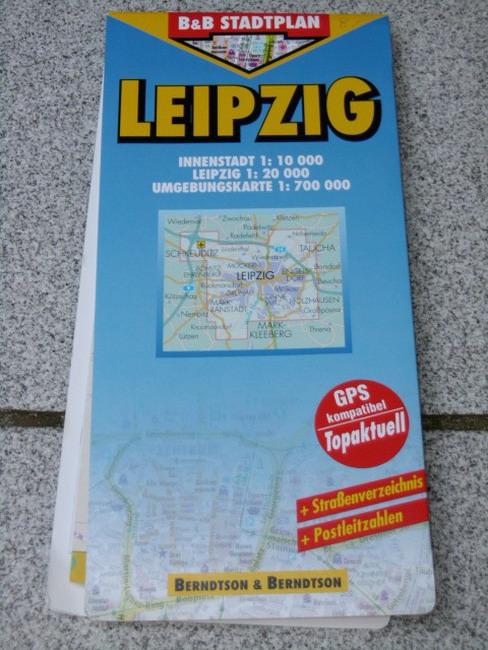 Leipzig Innenstadt 1:10000, Dresden 1:20000, Umgebungskarte 1:700000 ; GPS-kompatibel, topaktuell ; Straßenverzeichnis ; Postleitzahlen