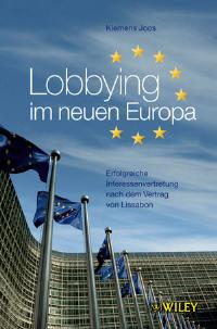 Lobbying im neuen Europa: Erfolgreiche Interessenvertretung nach dem Vertrag von Lissabon [Gebundene Ausgabe] von Klemens Joos Zum 1. Dezember 2009 ist nach langer Verzögerung der Vertrag von Lissabon in Kraft getreten; er gibt der EU einen neuen primärrechtlichen Rahmen. Durch den Vertrag von Lissabon und den damit verbundenen Kompetenz- und Bedeutungsgewinn der EU wird der entscheidende Einfluss Europas noch weiter zunehmen. Dennoch erscheinen die europäischen Vorgänge und Verfahren vielen Unternehmensverantwortlichen undurchsichtig und unzugänglich. Möglichkeiten und Chancen im EU-Binnenmarkt mit seinen etwa 500 Millionen Verbrauchern werden zum Teil nicht wahrgenommen. Ein tieferes Verständnis des politischen Willensbildungsprozesses und eine starke Vertretung der eigenen Interessen in der
