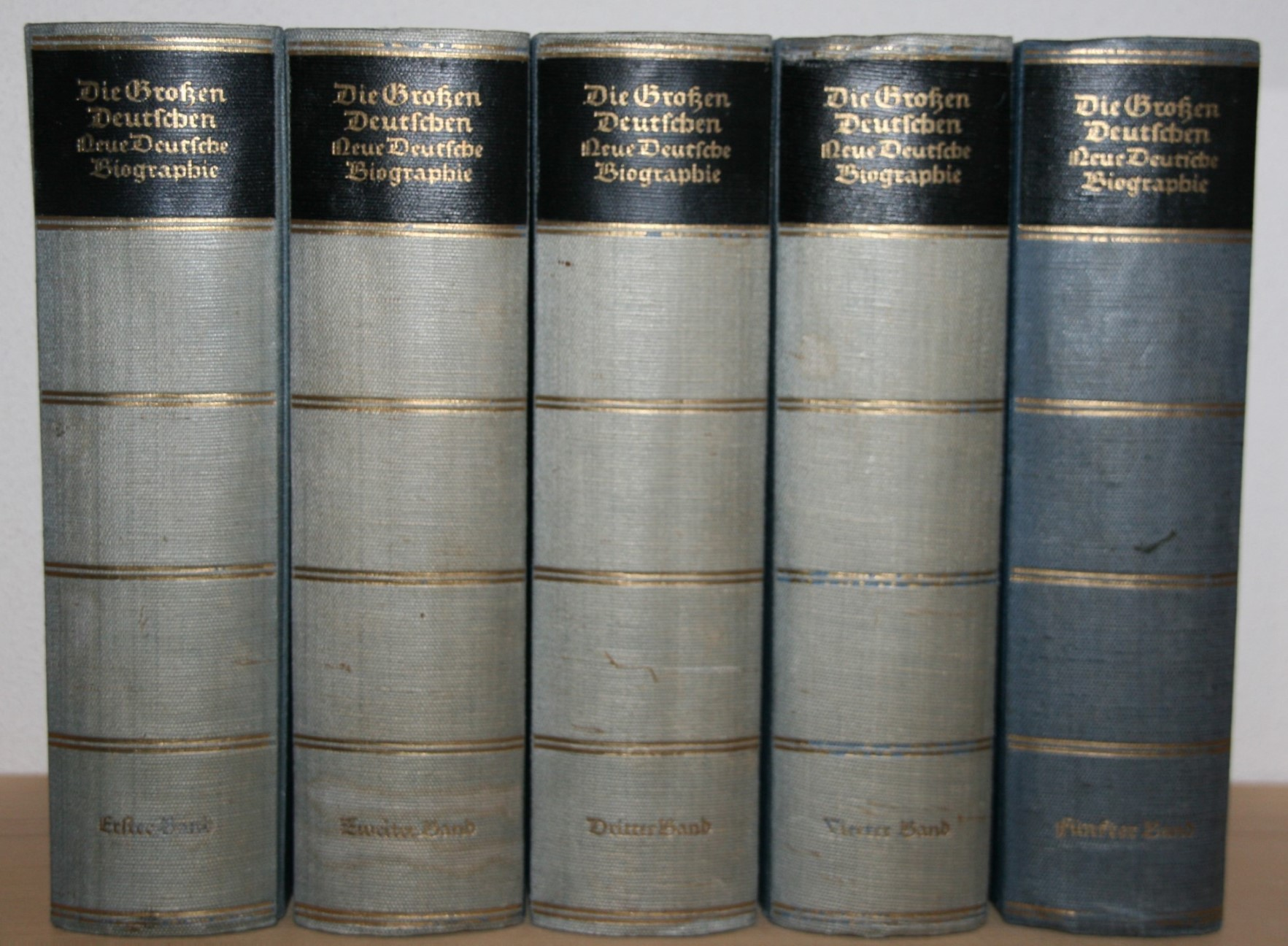 Die Großen Deutschen. Neue Deutsche Biographie in vier Bänden und 1 Ergänzungsband.