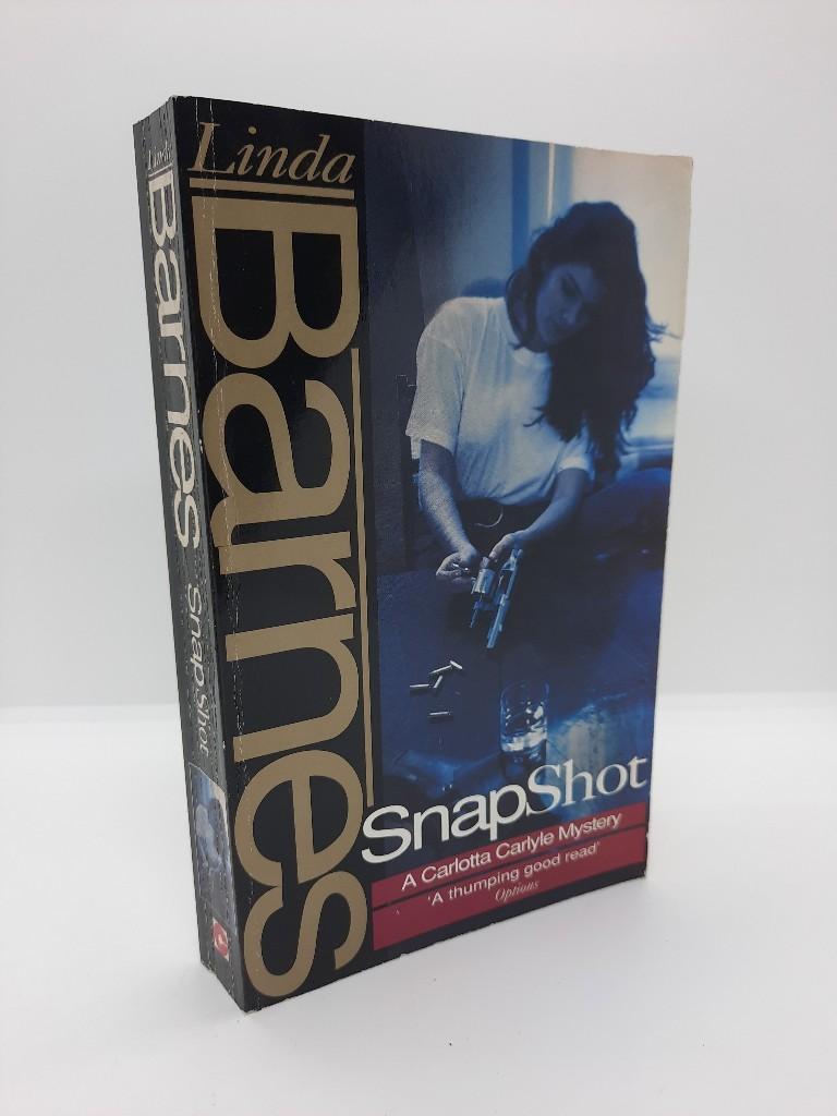 Snapshot (Carlotta Carlyle Mysteries) Auflage: New edition