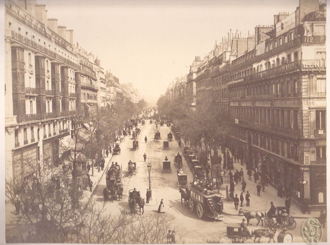 Paris - Perspective du Boulevard Montmatre.